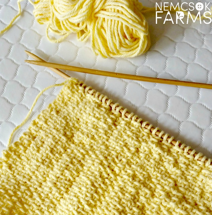 Linen Stitch Spa Cloth free knitting pattern in 100% cotton perfect for a quick spring project and even better for gift giving - Excellent for Mother's Day!